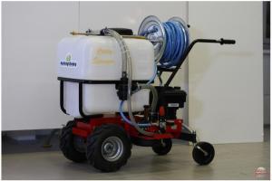 Carry Sprayer moottorikäyttöinen kasvinsuojeluruisku