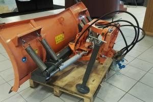 Etulevy traktoriin LN-175, hydraulinen